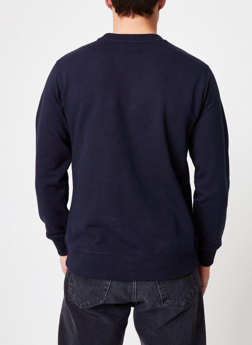 Vêtements Calvin Klein Jeans Core Monogram Logo Sweatshirt Bleu vue portées chaussures