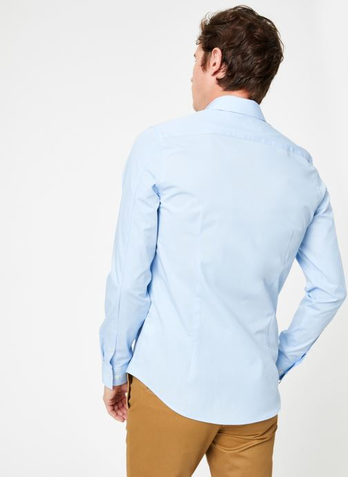 Vêtements Calvin Klein Jeans CKJ SLIM STRETCH SHIRT Bleu vue portées chaussures