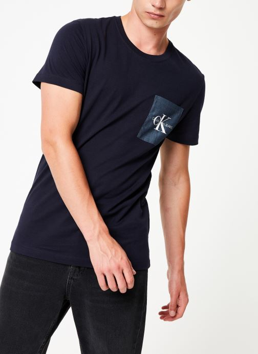 Vêtements Calvin Klein Jeans MONOGRAM POCKET SLIM SS TEE Bleu vue droite