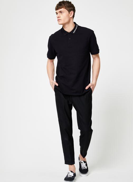 Vêtements Calvin Klein Jeans INST COLLAR EMBROIDERY Noir vue bas / vue portée sac