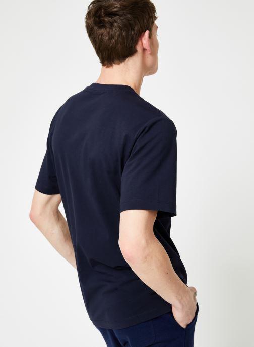 Vêtements Calvin Klein Jeans CALVIN JEANS BOX FRONT SS TEE Bleu vue portées chaussures