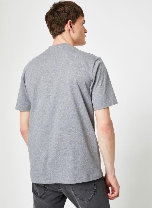 Kleding Calvin Klein Jeans INSTIT CURVED VARSITY SS TEE Grijs model