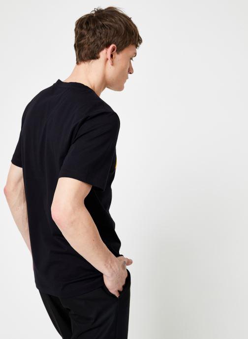 Kleding Calvin Klein Jeans INSTIT CURVED VARSITY SS TEE Zwart model