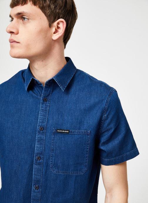 Vêtements Calvin Klein Jeans INDIGO INSTIT POCKET REG SS Bleu vue détail/paire