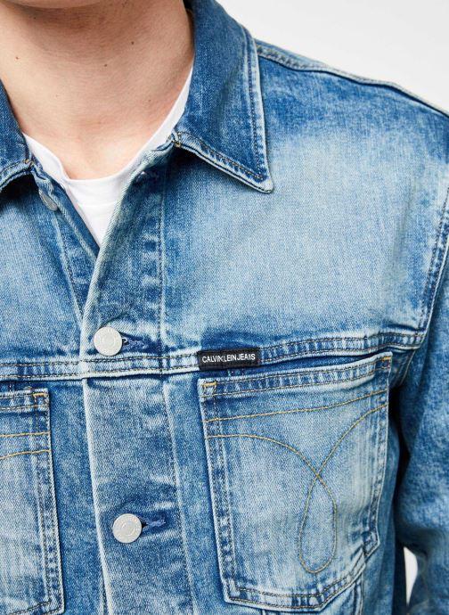 Vêtements Calvin Klein Jeans MODERN CLASSIC TRUCKER OMEGA Bleu vue face