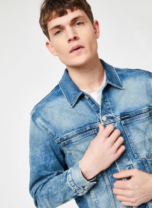 Vêtements Calvin Klein Jeans MODERN CLASSIC TRUCKER OMEGA Bleu vue détail/paire