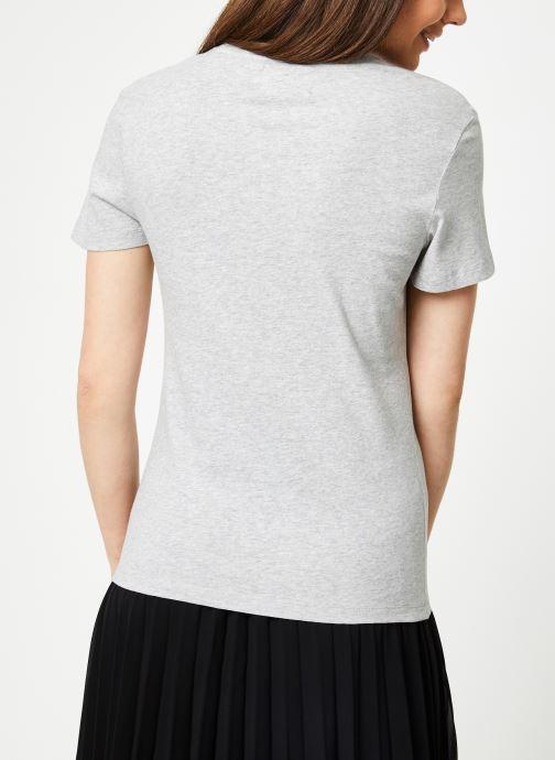 Vêtements Calvin Klein Jeans Core Monogram Logo Regular Fit Tee Gris vue portées chaussures