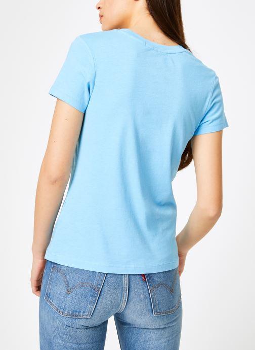 Vêtements Calvin Klein Jeans Institutional Logo Slim Fit Tee Bleu vue portées chaussures