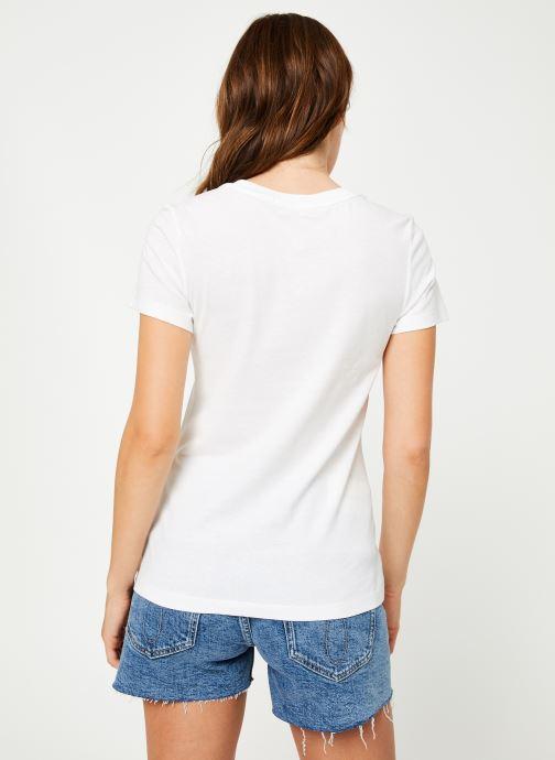 Vêtements Calvin Klein Jeans Institutional Logo Slim Fit Tee Blanc vue portées chaussures