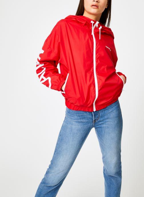 Vêtements Calvin Klein Jeans Nylon Windbreaker Rouge vue droite