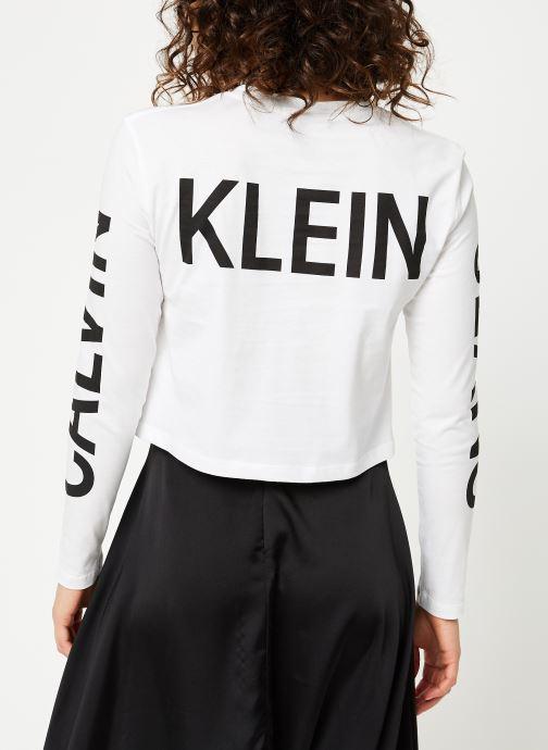 Vêtements Calvin Klein Jeans Institutional Back Logo LS Blanc vue portées chaussures