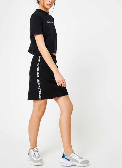 Vêtements Calvin Klein Jeans Shrunken Institutional Crop SS Noir vue bas / vue portée sac