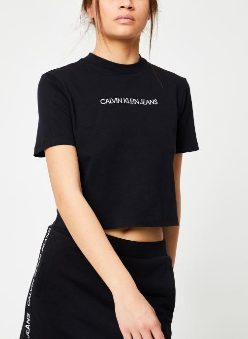 Vêtements Calvin Klein Jeans Shrunken Institutional Crop SS Noir vue détail/paire