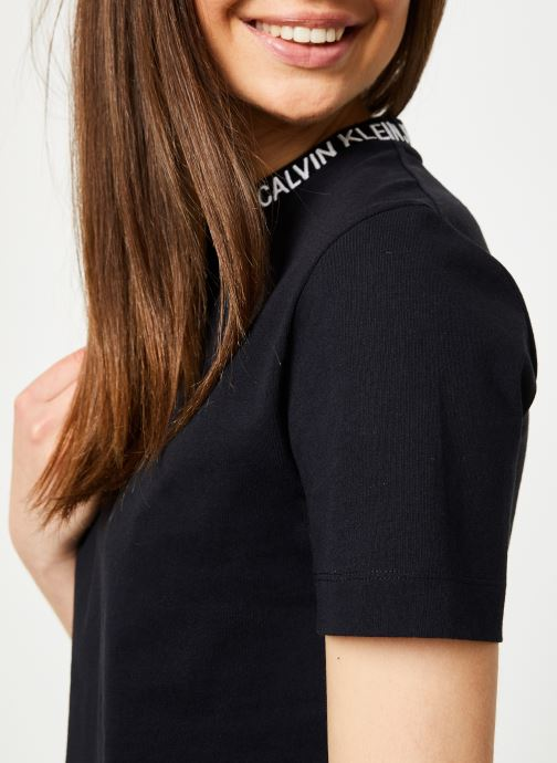Kleding Calvin Klein Jeans Cropped Skater Tee Zwart voorkant