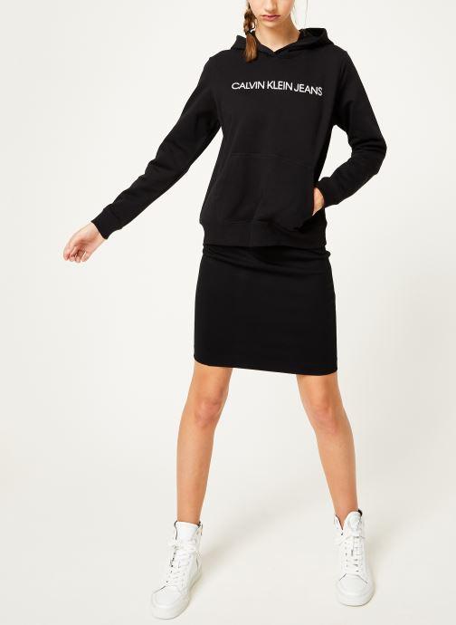 Vêtements Calvin Klein Jeans Institutional Hoodie Noir vue bas / vue portée sac