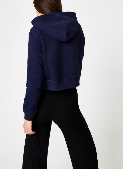 Vêtements Calvin Klein Jeans Instit Curved Logo Crop Hoodie Bleu vue portées chaussures