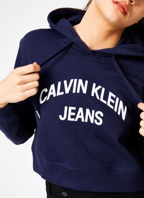 Kleding Calvin Klein Jeans Instit Curved Logo Crop Hoodie Blauw detail