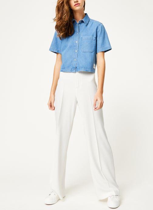 Vêtements Calvin Klein Jeans Cropped SS Shirt Indigo Tencel Bleu vue bas / vue portée sac