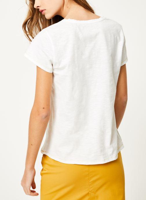 Vêtements Kanopé Tshirt guillemette Blanc vue portées chaussures