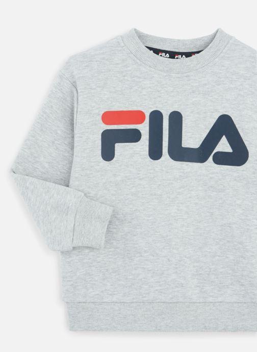 Vêtements FILA CLASSIC Logo Crew Shirt Gris vue portées chaussures
