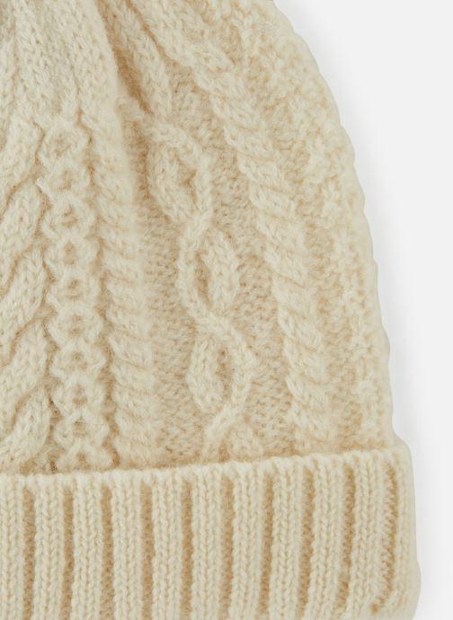 Mütze Monoprix Homme Bonnet laine weiß schuhe getragen