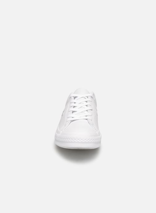Baskets Converse One Star Triple Leather Ox W Blanc vue portées chaussures