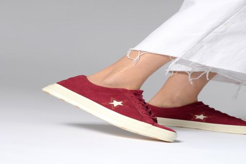 Sneakers Converse One Star Love in The Details Ox Vinröd bild från under