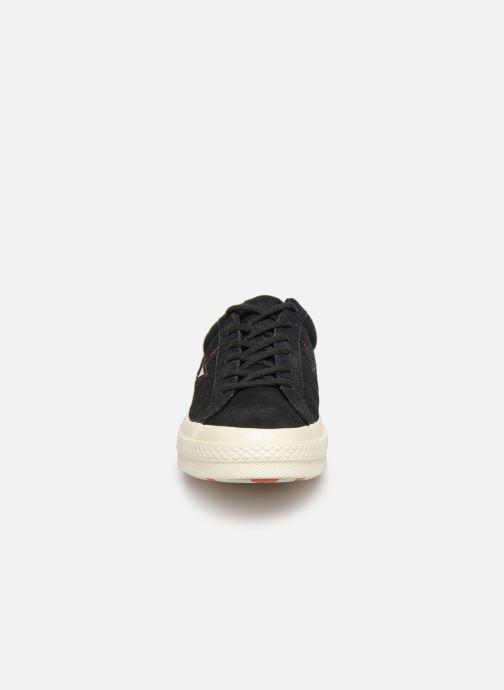 Baskets Converse One Star Love in The Details Ox Noir vue portées chaussures