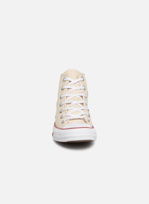 Deportivas Converse Chuck Taylor All Star Sucker for Love Hi Beige vista del modelo