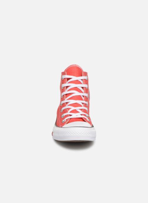 Baskets Converse Chuck Taylor All Star Sucker for Love Hi Rouge vue portées chaussures