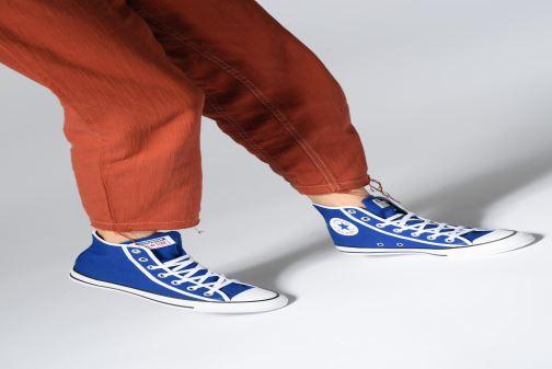 Sneaker Converse Chuck Taylor All Star Gamer Hi W rot ansicht von unten / tasche getragen