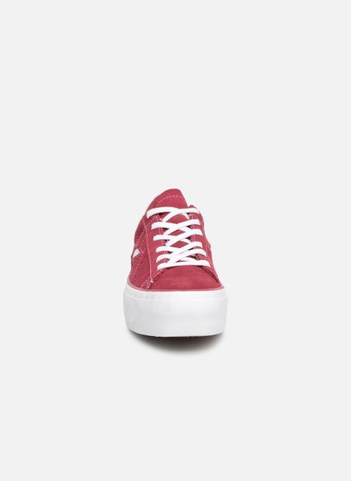 Sneaker Converse One Star Platform Lift Me Up Ox weinrot schuhe getragen