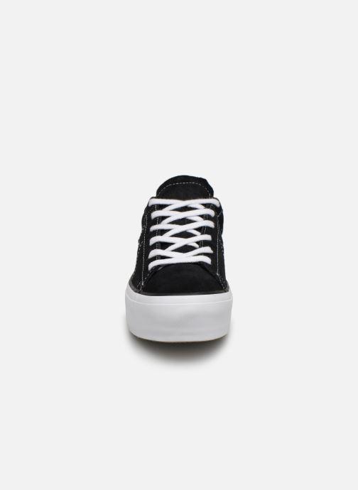 Sneakers Converse One Star Platform Lift Me Up Ox Nero modello indossato