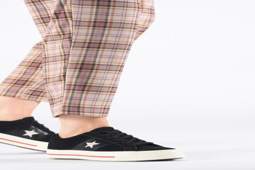 Trainers Converse One Star Fashion Baller Ox Black view from underneath / model view