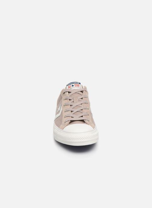 Baskets Converse Star Player Canvas/Suede Ox Marron vue portées chaussures