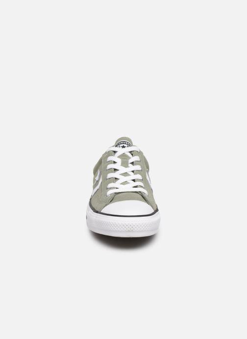 Sneaker Converse Star Player Suede Ox grün schuhe getragen