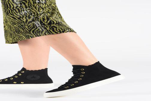 Sneakers Converse Chuck Taylor All Star Frilly Thrills Hi Zwart onder