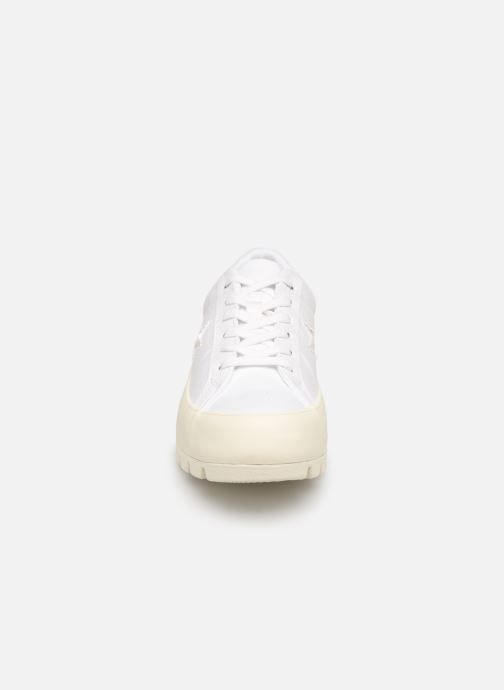 Baskets Converse One Star Lugged Court Stopper Ox Blanc vue portées chaussures