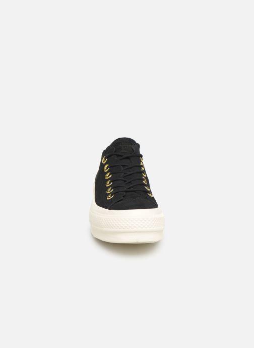 Sneaker Converse Chuck Taylor All Star Lift Frilly Thrills Ox schwarz schuhe getragen