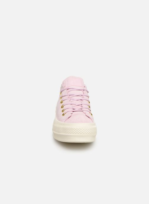 Baskets Converse Chuck Taylor All Star Lift Frilly Thrills Ox Rose vue portées chaussures