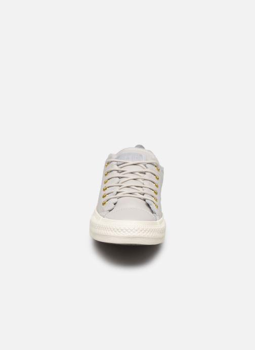 Sneaker Converse Chuck Taylor All Star Frilly Thrills LTH Ox grau schuhe getragen