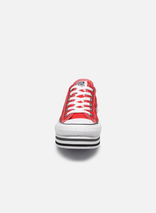 Baskets Converse Chuck Taylor All Star Platform Layer EVA Layers Ox Rouge vue portées chaussures