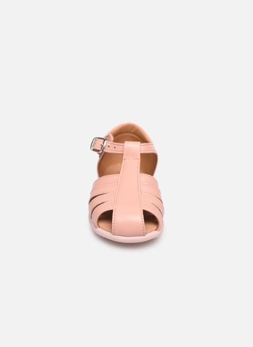 Sandali e scarpe aperte Cendry Jeanne Rosa modello indossato