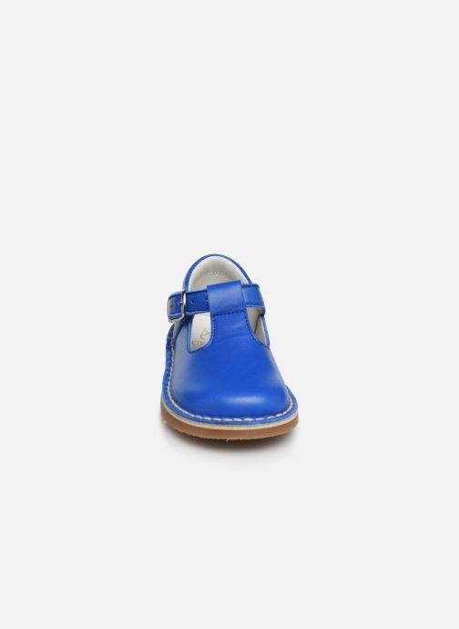 Sandali e scarpe aperte Cendry Louise Azzurro modello indossato