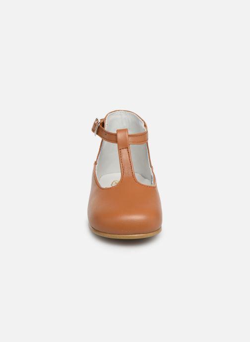 Sandales et nu-pieds Cendry Ines Marron vue portées chaussures