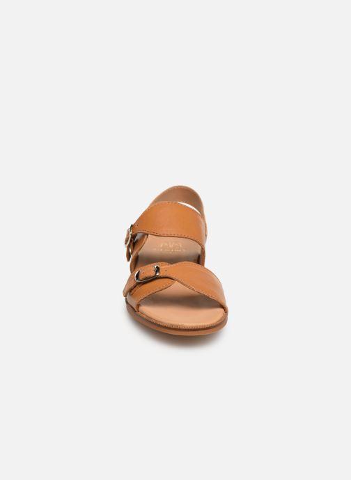 Sandales et nu-pieds Cendry Achille Marron vue portées chaussures