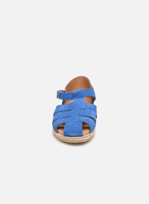 Sandali e scarpe aperte Cendry Sasha Azzurro modello indossato