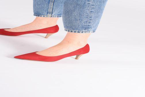 High heels Elizabeth Stuart Reza 300 Beige view from underneath / model view