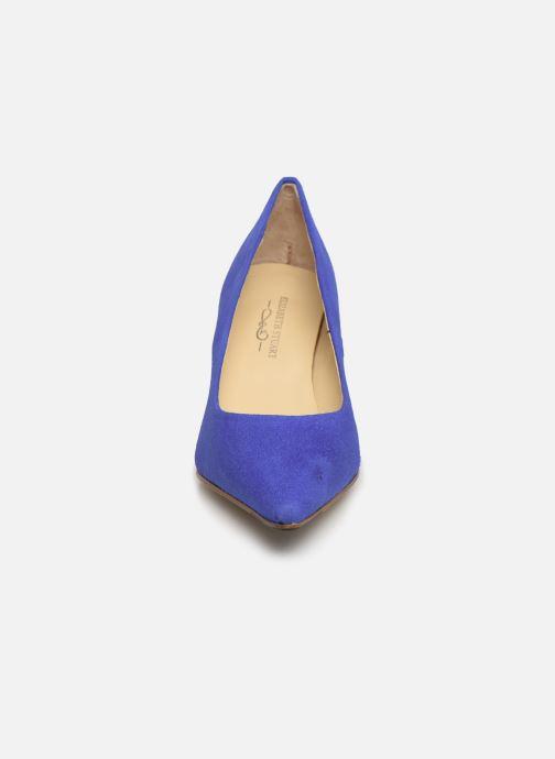 Escarpins Elizabeth Stuart Reza 300 Bleu vue portées chaussures