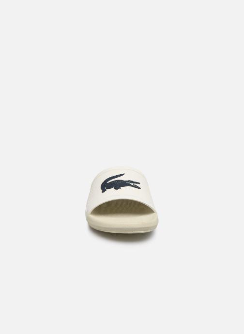 Sandales et nu-pieds Lacoste Croco Slide 219 1 Cma Blanc vue portées chaussures